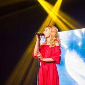 Аида Николайчук— Фаворит Интернет-аудитории в номинации «Певица года»